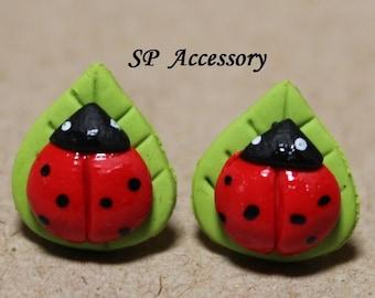 Lady Bug on Leaf Earrings, lady bug clay stud, clay jewelry, earrings clay, jewelry earrings
