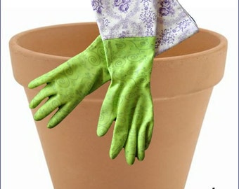 Spring 2016. exclusive gardening gloves with VINTAGE fabric cuff from traditional, Bavarian fabric.