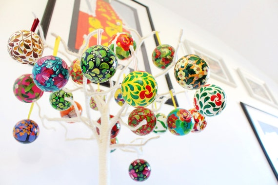 Christmas Ornaments Decorations. Kugel Craft: Hand Painted Bauble Collections (set of 6)