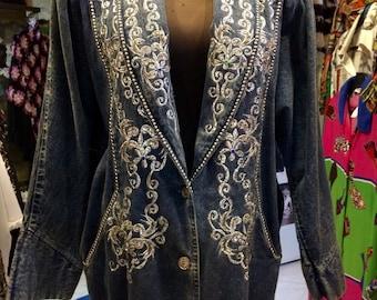1980's embroidered, bat-sleeves denim jacket, with huge shoulder pads. Size M.