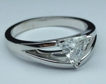 1.01 Carat Total Weight Trillion Cut Diamond Solitaire Split Band Engagement Ring