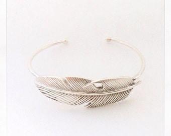 Feather Bracelet  - Delicate Bracelet - Sterling Silver Bracelet