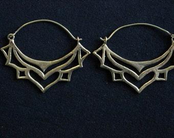 Pair of earrings in brass lotus flower