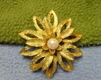 Large, Gorgeous Golden Flower Brooch with Faux Pearl Center