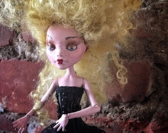 Discount - Monster high doll ~ custom doll ~ ooak ~ Art doll