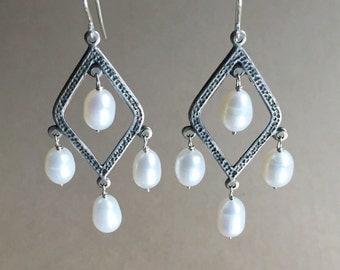 Mozi Pearl Chandelier Earrings