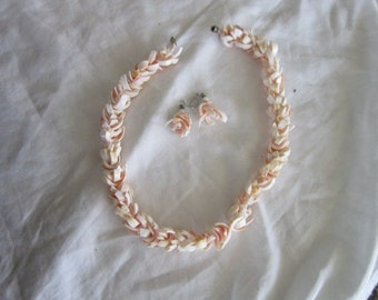 Vintage Retro Matching Pink Shell Necklace & Pierced Earrings Set
