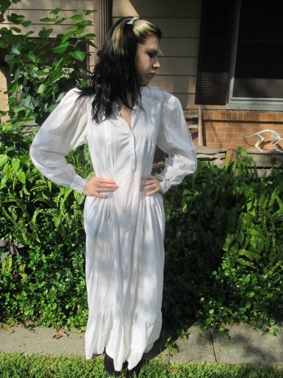 chemise de nuit vintage romantique blanc coton broderie. Black Bedroom Furniture Sets. Home Design Ideas