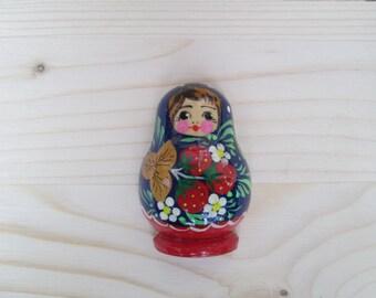magnetic souvenir Russian matreshka .Materials:wood,acrilic paints,magnet