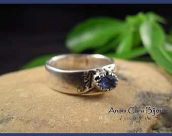Fijnzilver ring with Blue Topaz