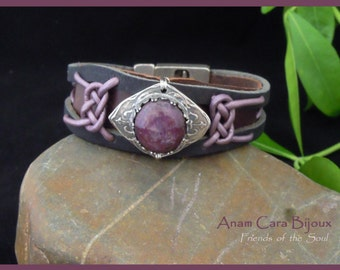Leather Bracelet with Ruby encrusted in fijnzilver