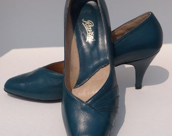 """VINTAGE womens size 10B Raven's turquoise 3"""" high heel pumps made in Canada"""