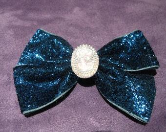 Double sparkle cameo bow