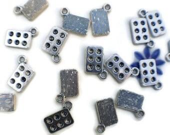 10 Muffin tin charms | baking sheet charms | baking charms | food charms | muffin charms | muffin pendants | baking pendants  SC913