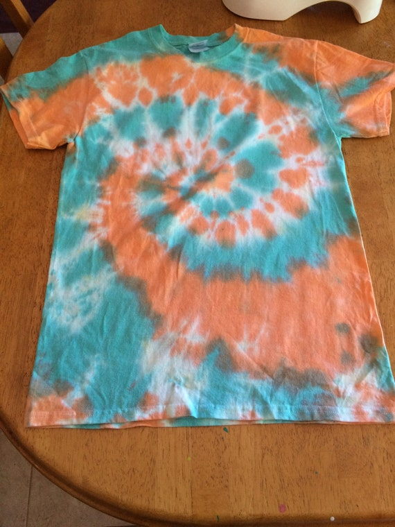 Green Orange Small Apartment Living Room Decor: Small Spiral Light Green And Orange Tie Dye Shirt By