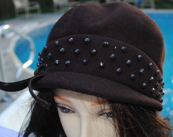 Brown Brewster NY Hat, deco studs, wool, vintage, 1950's, 22 inches