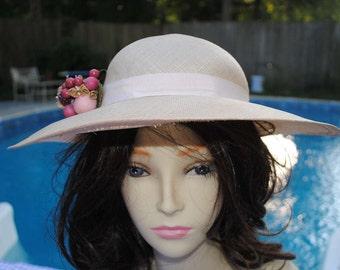 Vintage hat by Liz Claiborne Accessories, tan, linen, derby, 2 1/2 inches