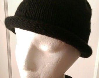 Black Roll Brim Knitted Hat