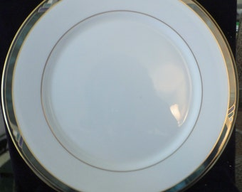 """LENOX, Kelly Green, Dinner Plate 11"""" Millennium Edition Never Used, UPC tag"""