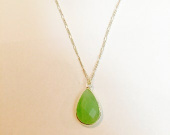 Classic chalcedony necklace