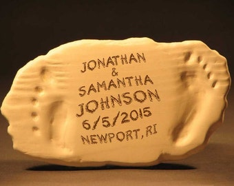 Personalized Wedding Names and Year Beach Footprint Plaque//Custom Anniversary Beach Art//Personalized Beach Names & Date Sculpture