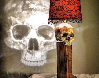 Skull of the Minister Lamp