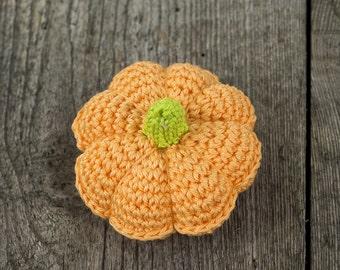 Cute little crochet pin cushion. Pumpkin. Pumpkin crochet. Pincushion pumpkin. Pincushion