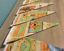 Babies Nursery Animal Bunting - New Baby Gift / Unisex Wall Hanging / Baby Shower / Kids Fabric Bunting / Animal garland