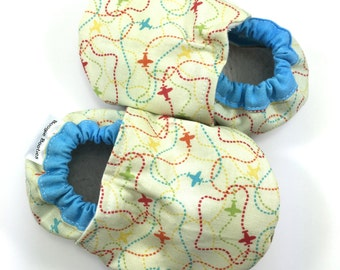 Plane baby shoes boy baby booties soft sole shoes plane toddler shoes airplane baby shoes pilot baby shoes airplane clothes pilot baby