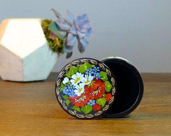 Small hand painted Wooden Treasure box - Jewelry box - Trinket box - Flowers  - Keepsake Box - Gift idea - Signed by an artist