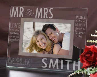 Mr and Mrs Photo Picture Frame – 8x10 (Holds 5x7 Photo ) – Wedding Memories Frame – Personalized Wedding Photo Frame – Bride and Groom Frame