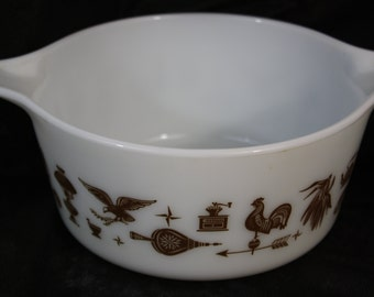 Pyrex Early American 474-B White with Brown