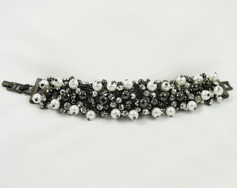 Black Bracelet, Black And White Bracelet, Bracelet, Pearl Bracelet, Pearl Cluster Bracelet, Wedding Jewelry, Beaded Bracelet, Gift For Her