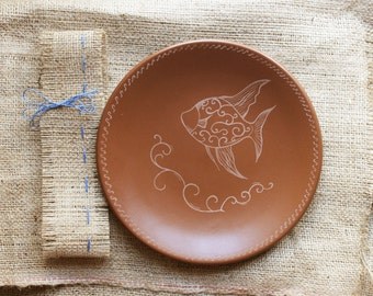 Ceramic plate,pottery,ceramic dish,brown,custom gift,stoneware,fish,dinnerware,clay,hostess gift,gift for mom,decorative plate,engraving