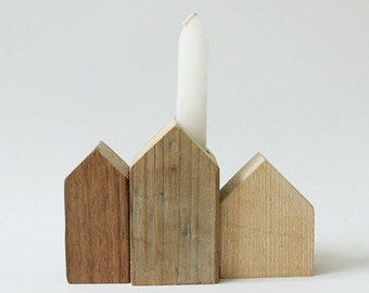 Cottages of scrap wood (candle)