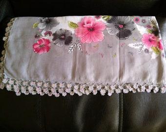 Handmade Anatolian Scarf with lace / Anatolian traditional art: Oya / Unique gift