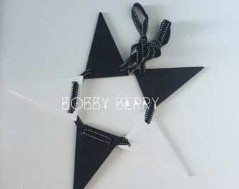 Monochrome Wooden Bunting - 5 Flags