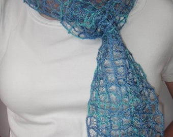 Lace scarf grid design