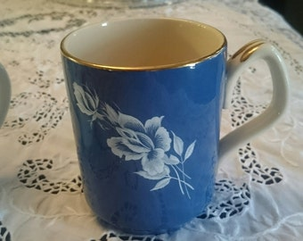 Antique~~Sadler~~~Blue with White Rose Tea/Coffee Mug~Gold Accents on Rim and Handle~Made in England