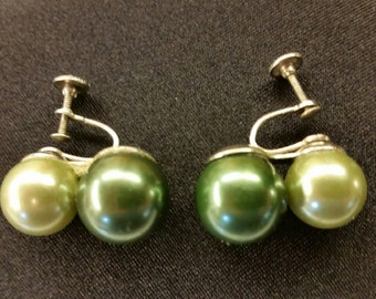 VINTAGE Mid Century Green Stacked Faux Pearl Screw Back Earrings