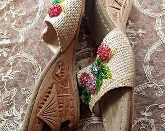 Carved Heel Peep Toe Wedge Shoes, Midcentury Hawaiian Beaded Embroidery Pumps (TIKI)