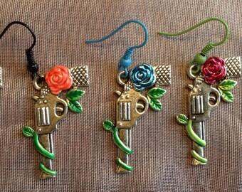 Silver gun earrings. Silver rose earrings. Guns and roses. Outlaw jewelry. COWBOY gun. Southwestern jewelry Rockabilly jewelry. Handpaintedi