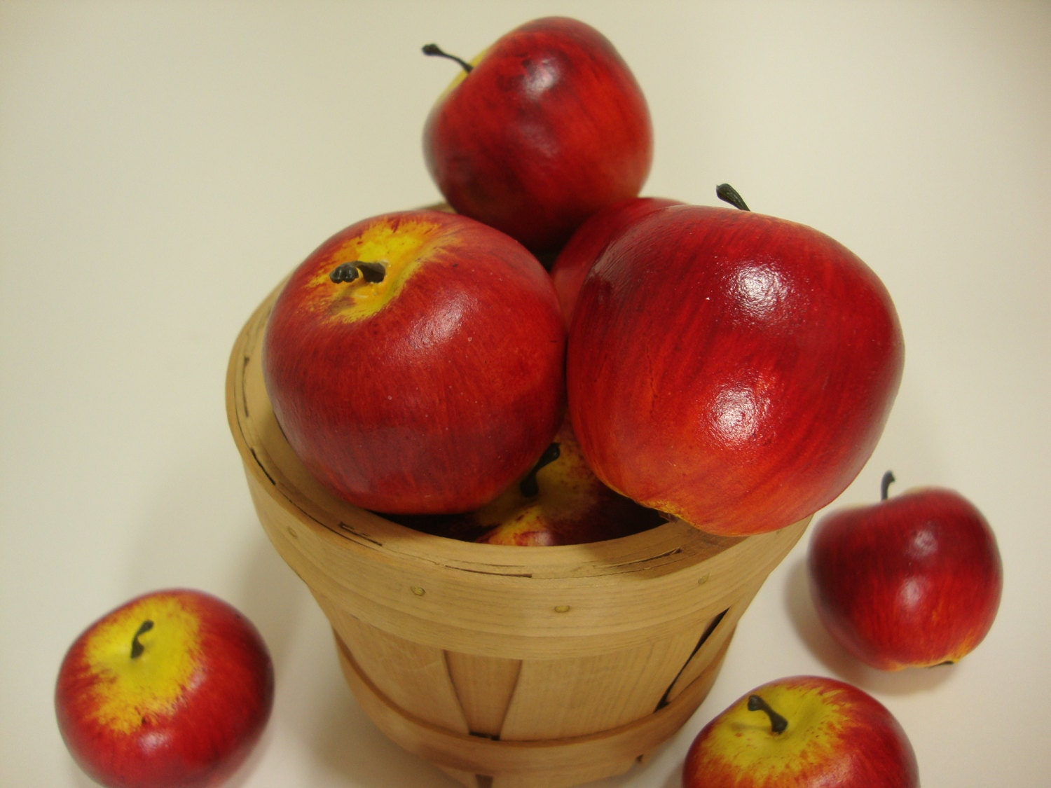 Faux fruit miniature baby red apples fake food home decor for Apples decoration for home