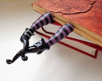 Wicked witch bookmark, Witch legs with swirly shoes