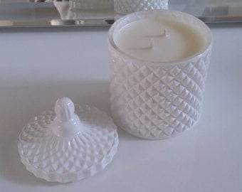 White geometric scented soy candle 250g