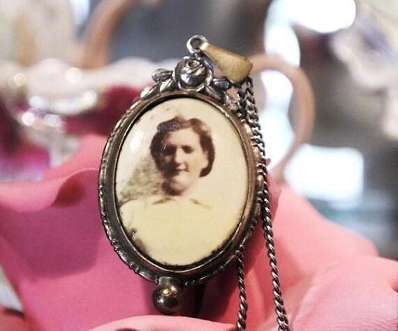 Art Deco Celluloid Pendant / Photo Picture Necklace  / Memento War Era