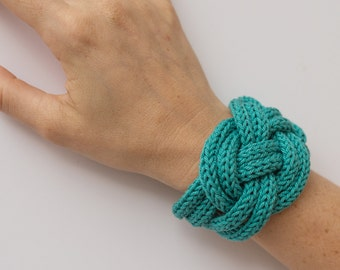 Knit sailor knot bracelet