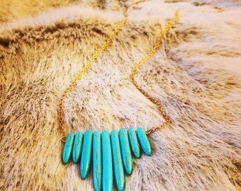 Molly // spike necklace