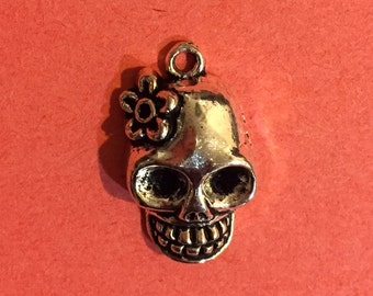4 Flower Scull Charms  Silver Plated Halloween  Style  Size :21mm x 13mm - A192N