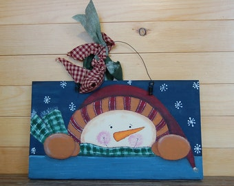 Peek-a-boo Winter Snowman Decoration